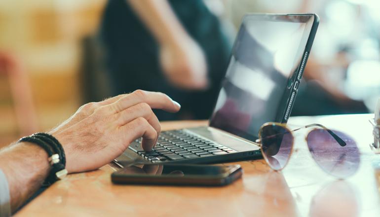entrepreneurial-fuckarounditis_02_laptop