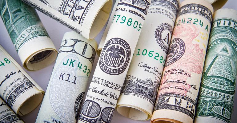 lessons-linkedin-billionaire-founder_04_cash